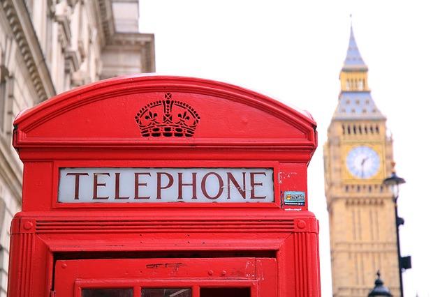 kabina telefonní budky.jpg