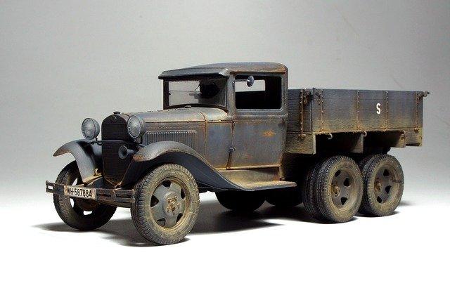 vůz z staré světové války