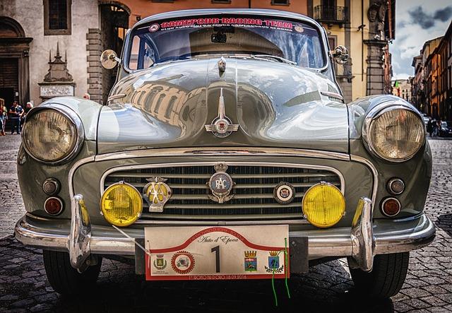 staré závodní auto